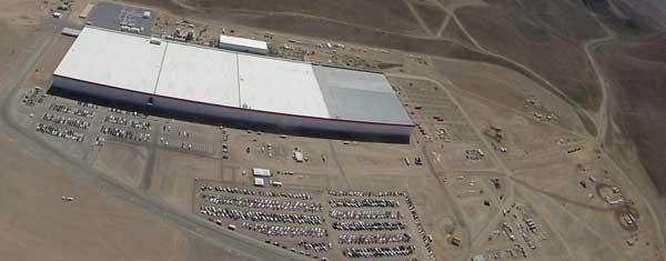 Η άποψη του υπό κατασκευή γιγαντιαίου Gigafactory