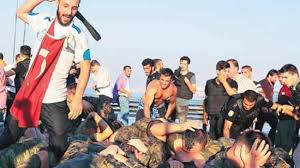 Οι αγριότητες εναντίον των πραξικοπηματιών αποκαλύπτουν την έντονη αστάθεια στην οποία υπεισέρχεται η Τουρκία...